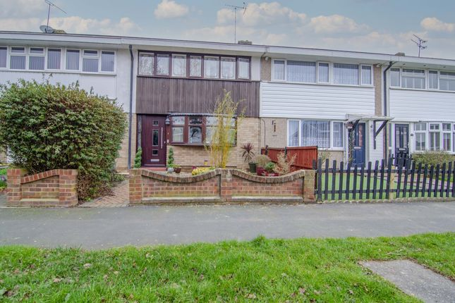 3 bed terraced house to rent in Woolmer Green, Laindon, Basildon SS15