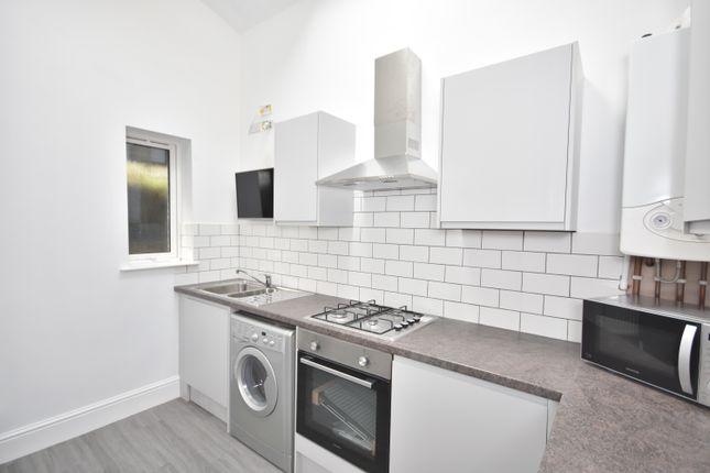 Thumbnail Flat to rent in King Edward Road, Brynmill