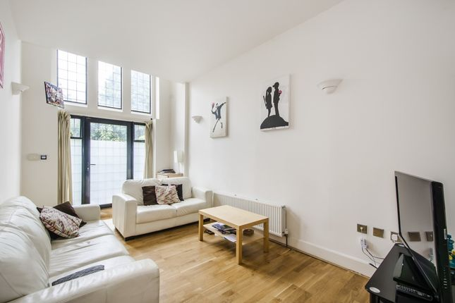 Thumbnail Town house to rent in Plough Terrace, London