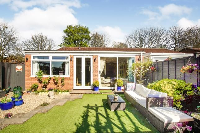 Thumbnail Bungalow for sale in Somerset Avenue, Yate, Bristol, South Gloucestershire