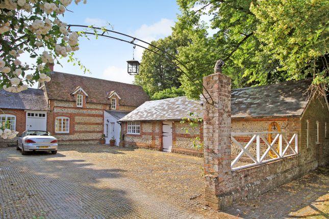 Thumbnail Cottage to rent in Burkham, Alton, Hampshire