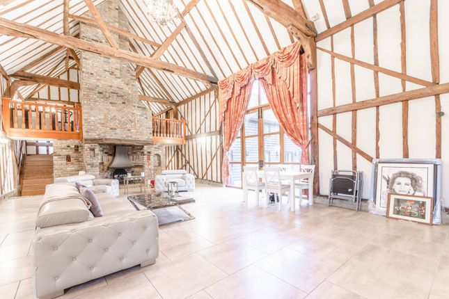 Thumbnail Barn conversion to rent in Millers Lane, Chigwell Row