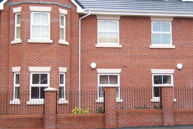 Thumbnail Flat to rent in Flat 28, Etruria Court, Humber Road, Etruria