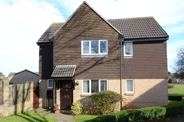 3 bed detached house for sale in Flamingo Close, Wokingham, Berkshire