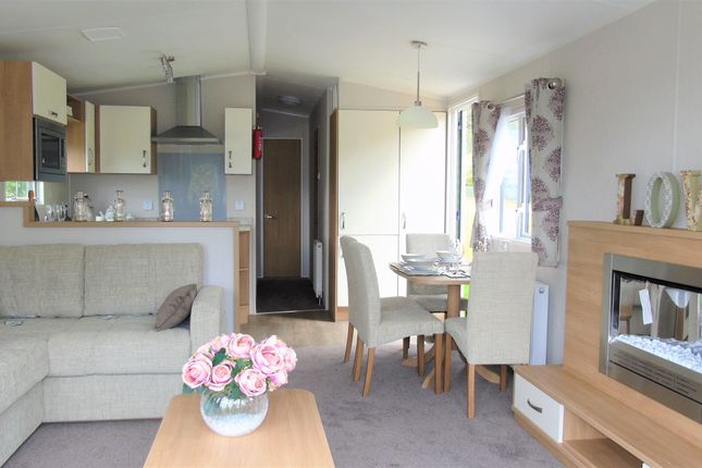 2 bedroom mobile/park home for sale in Toft Hill Caravan Park, Hill Road, Great Broughton