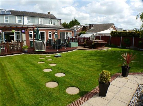 Thumbnail Property for sale in Garstang Road East, Poulton Le Fylde