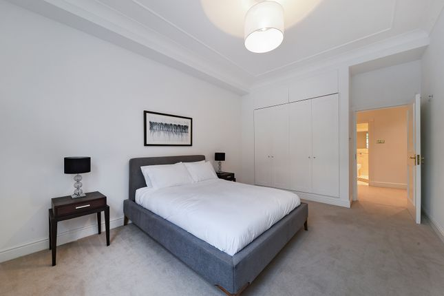 Thumbnail Flat to rent in Lowndes Square, Knightsbridge, London