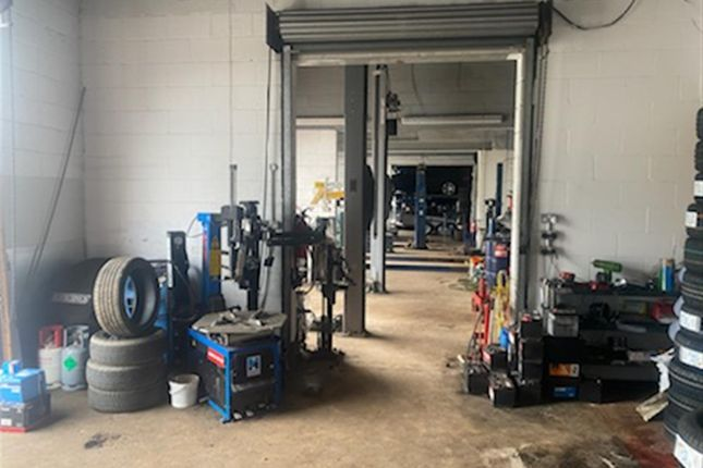 Thumbnail Parking/garage for sale in Vehicle Repairs & Mot BD5, West Yorkshire
