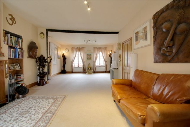 Thumbnail Flat for sale in Guildford Street, Chertsey, Surrey