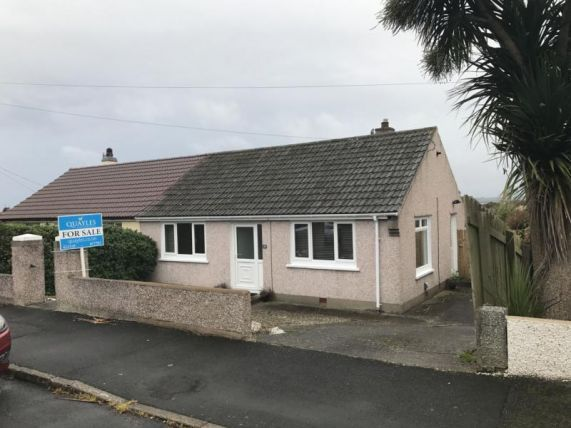 Thumbnail Bungalow to rent in Howstrake Drive, Onchan