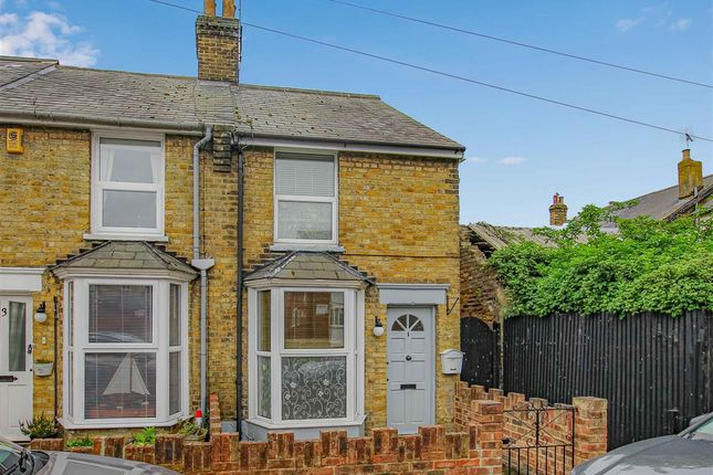 2 bed cottage to rent in Western Road, Burnham-On-Crouch CM0
