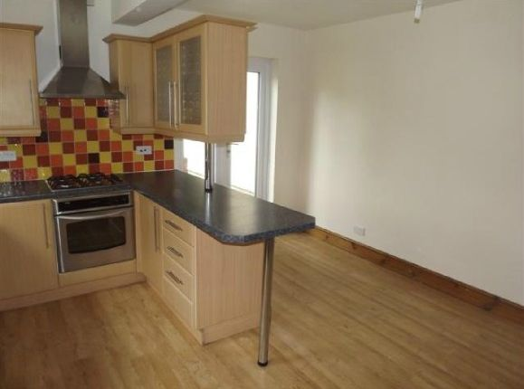 Thumbnail Town house for sale in Woodbridge Road, Ipswich