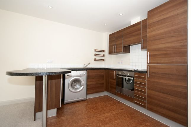 2 bedroom flat to rent in Marshall Road, Banbury