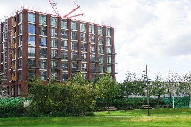 Flat for sale in Portland House, Royal Wharf, London