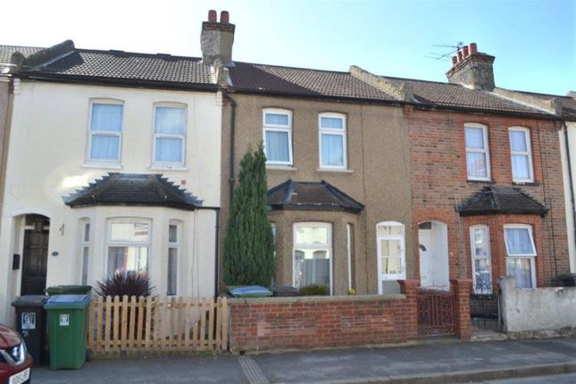 Thumbnail Property for sale in Kings Avenue, Watford, Hertfordshire
