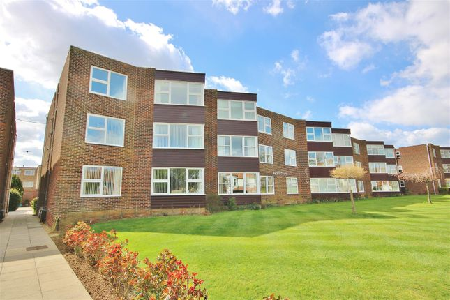2 bed flat for sale in Astell Court, The Crescent, Frinton-On-Sea CO13