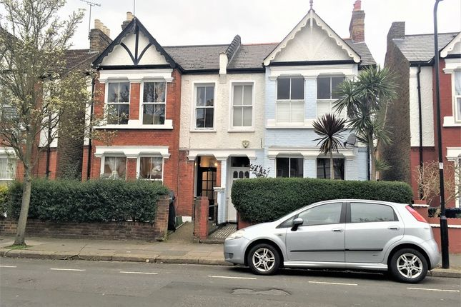 5 bed property to rent in Davis Road, Acton, London