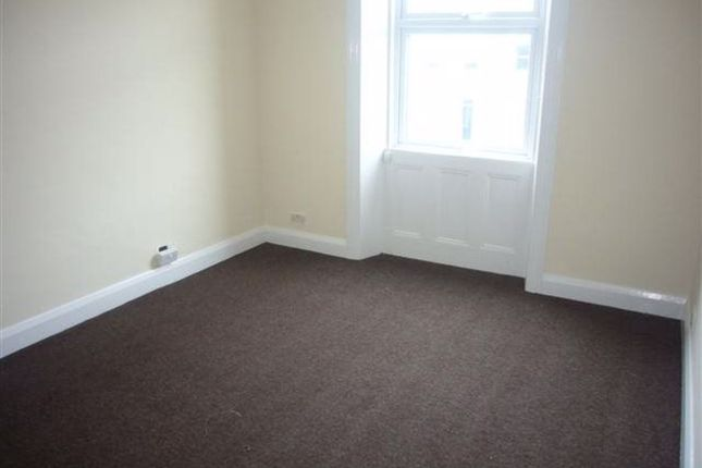 Thumbnail Flat to rent in Mount Ephraim Road, London
