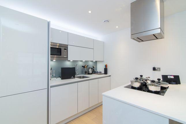 5_Kitchen of Kensington Apartments, Cityscape, Aldgate E1