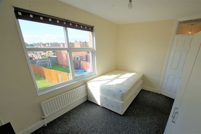 Thumbnail Flat to rent in Shakespeare Street, Coventry