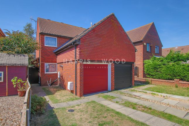 Thumbnail Semi-detached house for sale in Adelaide Drive, Colchester