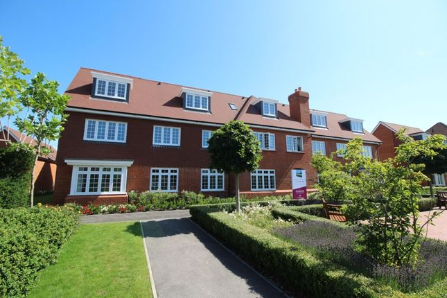 Thumbnail Flat for sale in The Boulevard, Bognor Regis