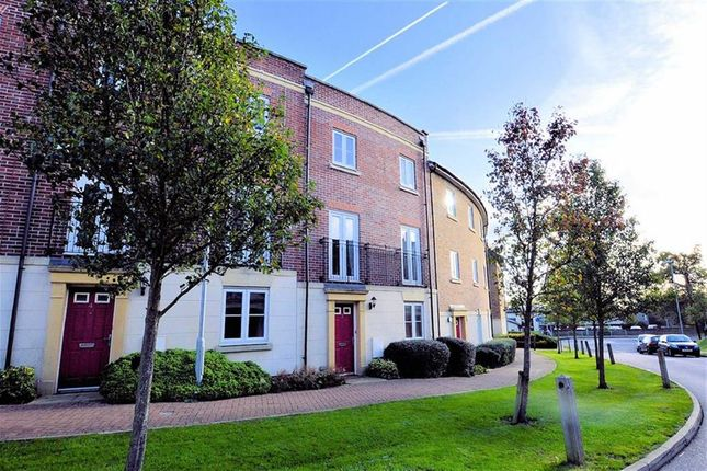 Thumbnail Flat to rent in College Close, Loughton