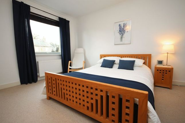 Thumbnail Flat for sale in Canal Court, Linlithgow