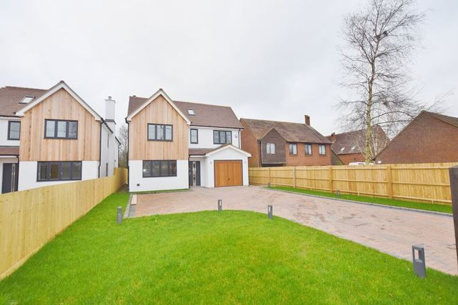 Thumbnail Detached house to rent in Oakley Lane, Chinnor
