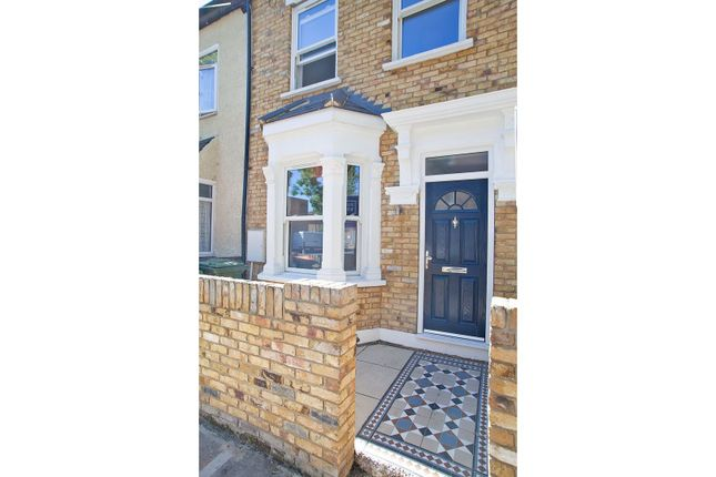 Thumbnail Terraced house for sale in Samson Street, London