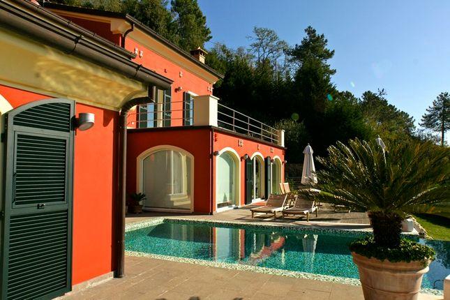 Thumbnail Villa for sale in Via Montalbano, La Spezia, La Spezia, Liguria, Italy