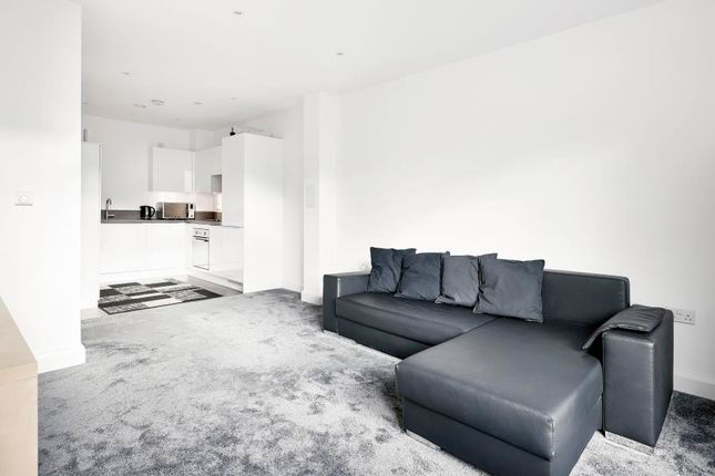 Flat to rent in Barry Blandford Way, London