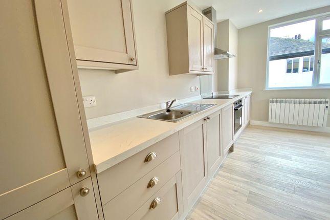 Thumbnail Flat to rent in Cloth Hall Street, Huddersfield