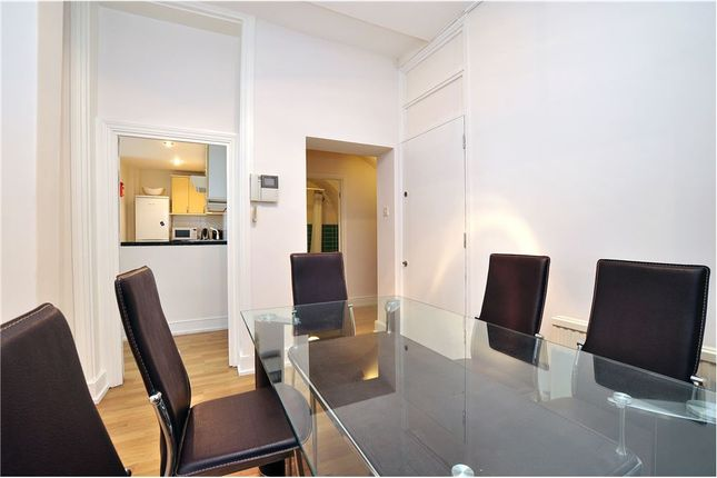 Flat to rent in Devonshire Place, London, Marylebone
