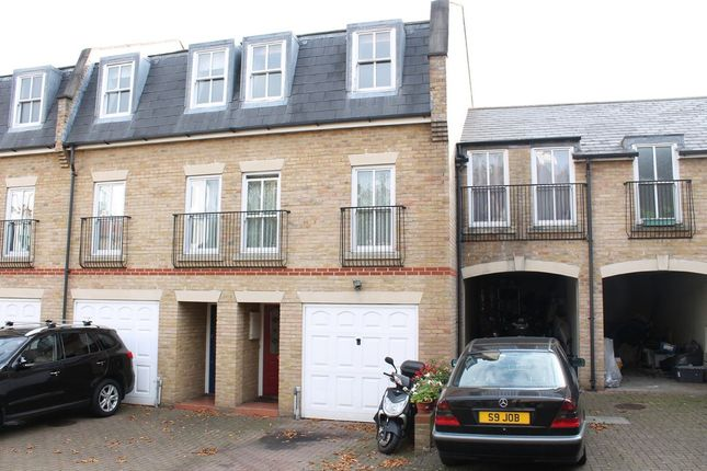Thumbnail Town house to rent in Sussex Mews, London
