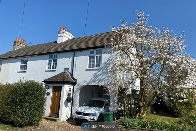 3 bed semi-detached house to rent in Smithy Lane, Tadworth KT20