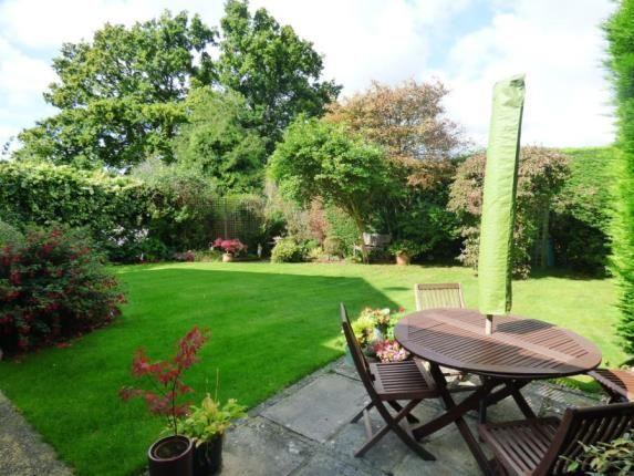 Picture No.16 of Oak Tree Close, Headley, Bordon GU35