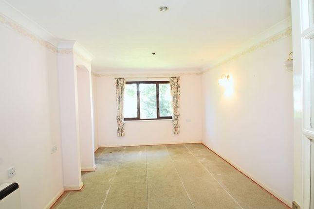 Living Room of Chestnut Lodge, Southampton SO16