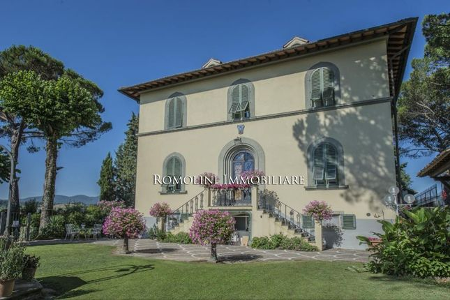 16 bed property for sale in Florence, Tuscany, Italy