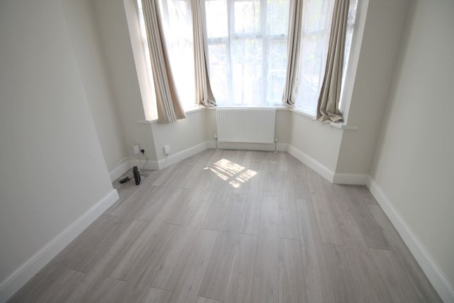 Room to rent in Latymer Road, London N9