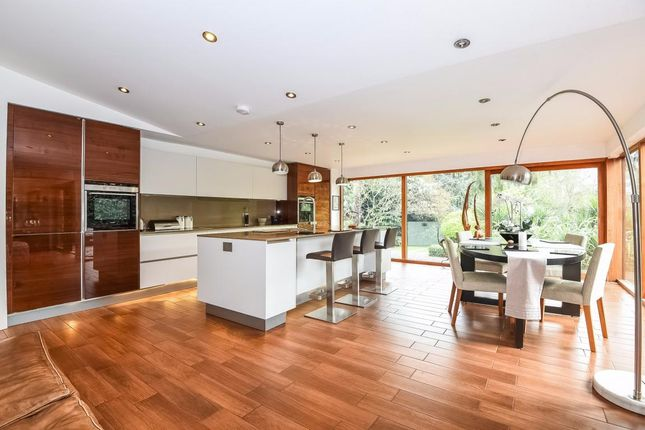 Thumbnail Detached house for sale in Farley Hill, Reading