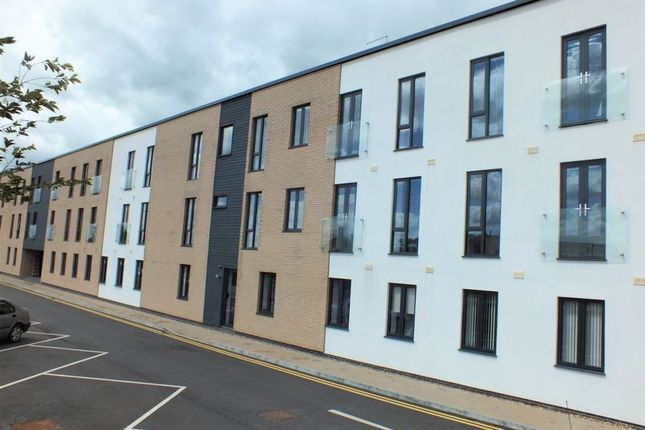 Thumbnail Flat to rent in Angus Court, Thame