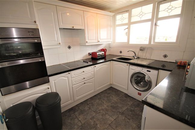Kitchen of Glentore Quadrant, Airdrie ML6