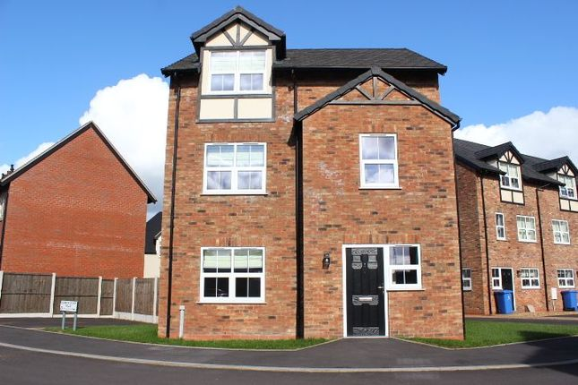 Thumbnail Detached house to rent in Queens Court Road, Stoke-On-Trent