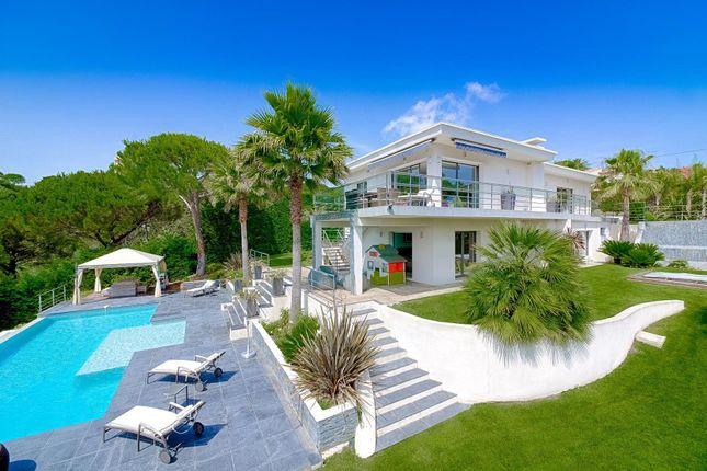 Cannes, Provence-Alpes-Cote D'azur, 06400, France