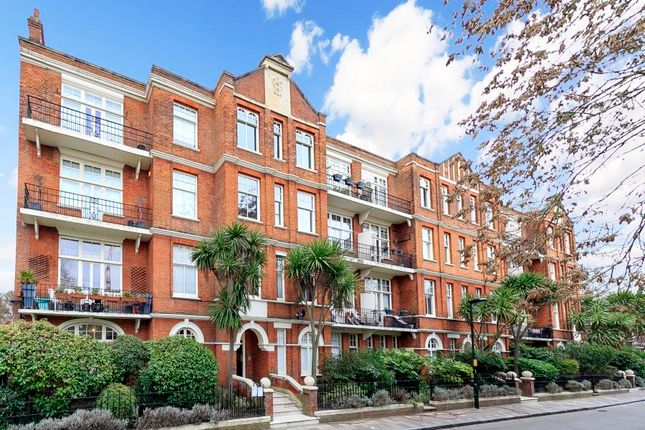 Thumbnail Flat to rent in Willoughby Road, Twickenham
