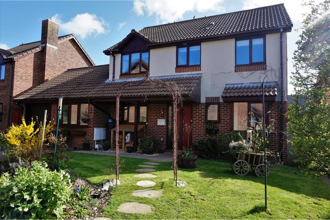 Thumbnail Detached house for sale in Laxton Close, Locks Heath