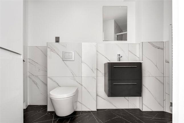 Bathroom of Deptford Broadway, London SE8