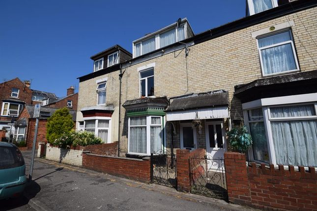 Thumbnail Terraced house to rent in Haslemere Avenue, Bridlington