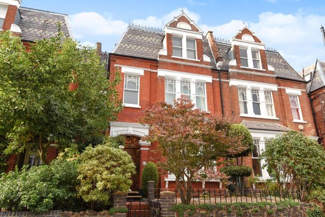 Thumbnail Terraced house to rent in Whitehall Park, Highgate Hill